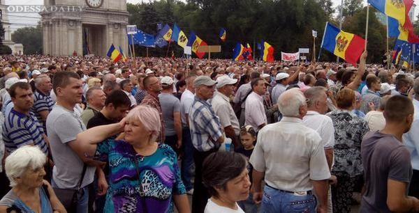 Народный протест в Молдове: на улицы вышли десятки тысяч людей