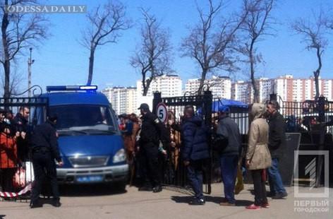 Полицейские не обнаружили взрывчатку на Таировском кладбище