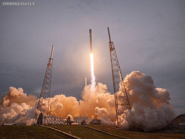 Запущен в космос первый израильский лунный аппарат «Берешит»