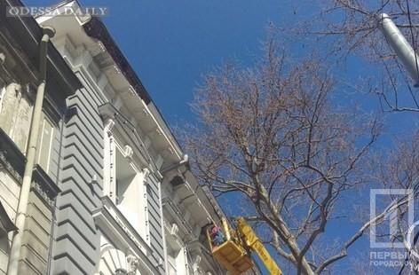 На Пушкинской обвалилась часть фасада памятника архитектуры