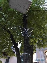 Одесские коммунальщики украшают Дерибасовскую новой иллюминацией