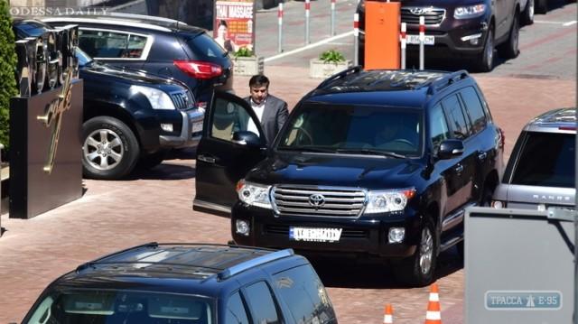 В Киеве угнали бронированный джип главы Одесской области Саакашвили – СМИ