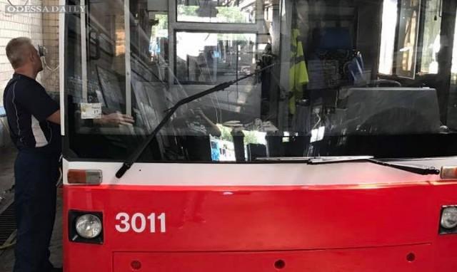 В одесских троллейбусах заработают кондиционеры