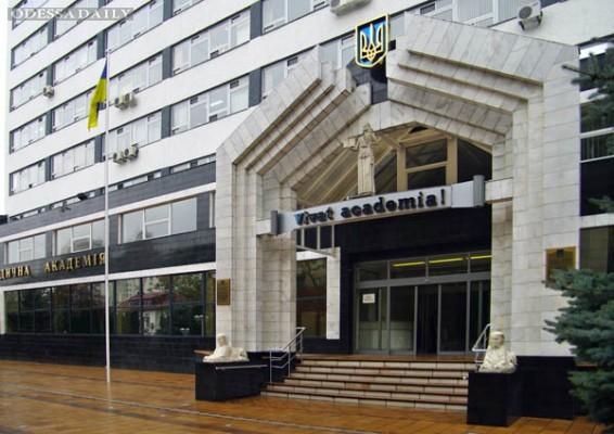 Киваловский кандидат прописал полторы тысячи студентов в общежитии на 392 места