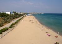 Крымнаш - пустой пляж