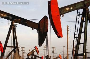Цены на нефть заканчивают неделю рекордным падением