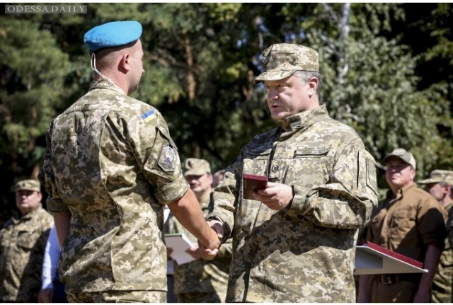 ВАСУ отказался обязать Порошенко объявить военное положение