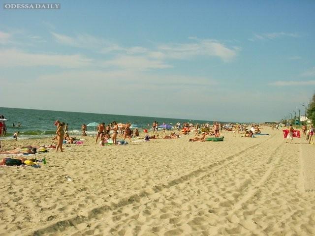 СЭС не рекомендует купаться на пяти курортах Одесской обл. из-за повышенного содержания кишечной палочки