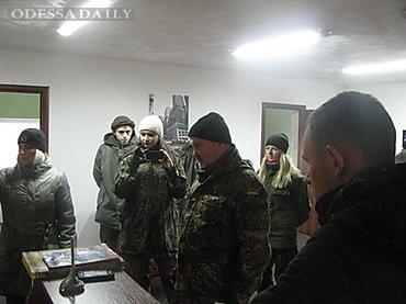 Прокуроры из Одесской области с криками «Слава Путину!» устроили пьяный дебош в Ровно