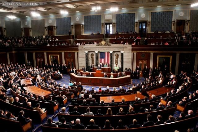 Демократы и республиканцы просят Обаму начать поставки оружия Украине