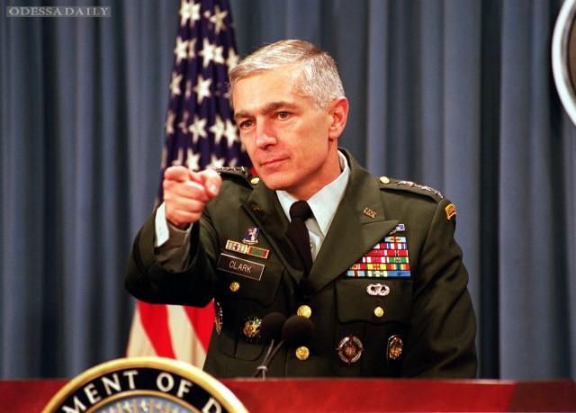 Дипломатия не сработает, пока США не вооружат Украину - генерал Кларк