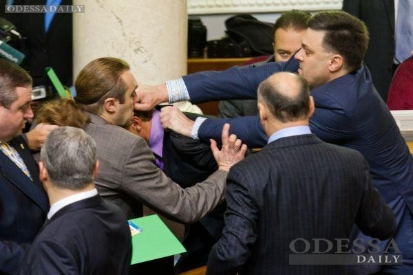 «Свобода» пришла в парламент на гражданскую войну, - Андрей Сидоренко