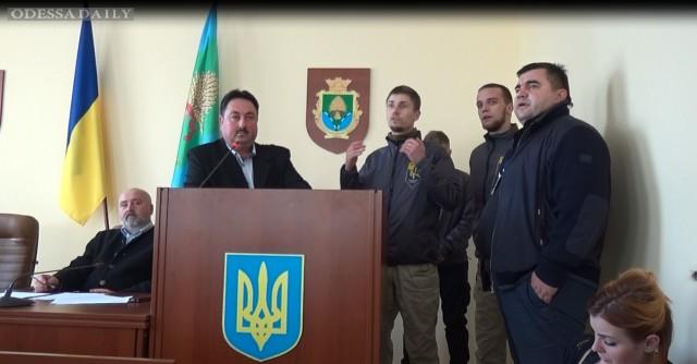 Активисты антикоррупционного комитета при Михаиле Саакашвили выехали на строительство дорог в Разделянском районе.