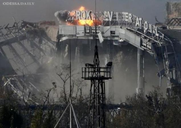 Террористы, пользуясь перемирием, укрепляются в Донецком аэропорту, - очевидцы