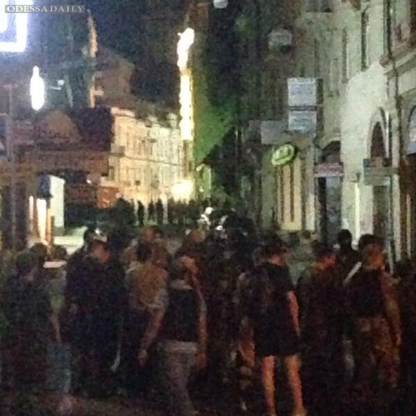 Сегодня ночью 40 человек в масках атаковали Майдан в Киеве, трое погибших