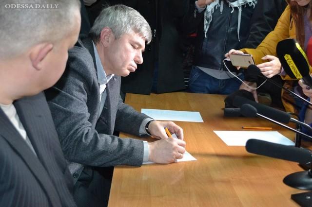 «Дело 2 мая»: судьи пишут заявления об отставке, активисты дежурят под СИЗО
