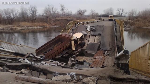 В Трехизбенке идет бой между боевиками и украинскими военными – Москаль