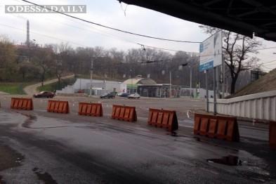 Не рассосалось: Пересыпь в сторону центра Одессы по-прежнему в пробках