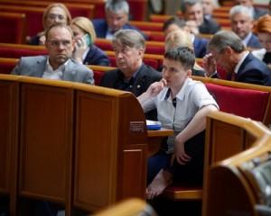 Родная фракция стала на защиту Савченко