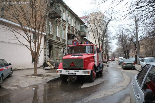 Одесса: во время пожара в жилом доме спасены 16 человек, из них 2 ребенка, младшей было 2 недели