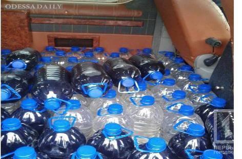 На Киевской трассе полицейские задержали автомобиль, перевозивший 600 литров контрафактного спирта