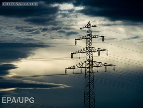 Укрэнерго: Электроснабжение Крыма не удается восстановить из-за обрушения опоры ЛЭП Каховка-Титан