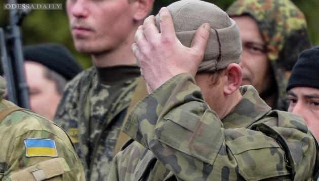 Порошенко предоставил соцгарантии добровольцам АТО и семьям погибших