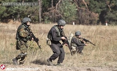 Боевики 33 раза обстреляли позиции сил АТО вечером 9 ноября