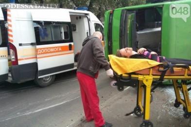 Количество пострадавших в перевернутой одесской маршрутке увеличилось