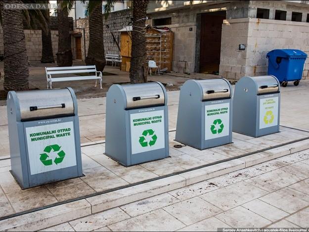 Инновации: на Черемушках установят подземные мусорные баки