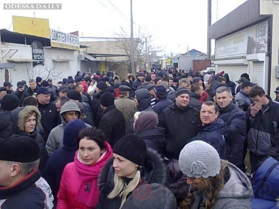 Предприниматели идут колонной к Приморскому суду
