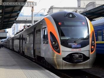Заполняемость скоростных поездов в Украине достигла 92%