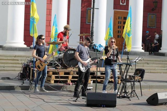 На антитрухановском майдане на Думской прошёл концерт Кавер-группы Dzyga Band