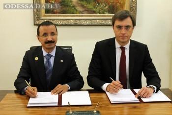Эмиратские буксиры все ближе к Одесскому порту: подписан новый меморандум с группой DP World