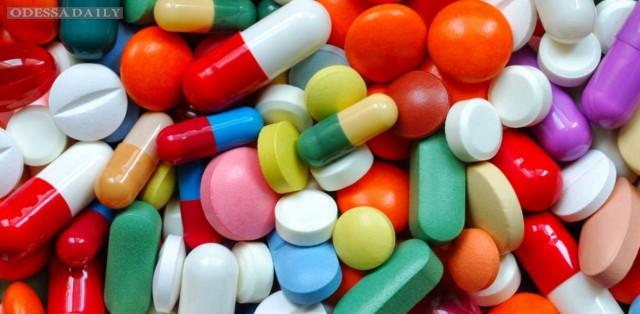 Кабмин отстрочил до 1 апреля введение референтных цен на лекарства