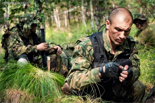 Русский наемник забирает половину зарплаты у подчиненных ему боевиков ЛНР
