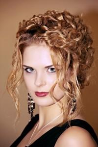 «Авантюрные» прически и make-up: лучшие стилисты Одессы демонстрируют свое искусство. Фото