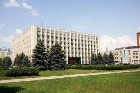 Одесскую облгосадминистрацию освободили от бетонных блоков