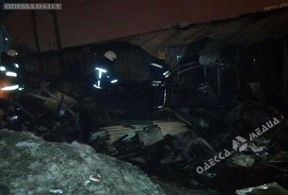 Подробности вчерашнего пожара на одесском Привозе