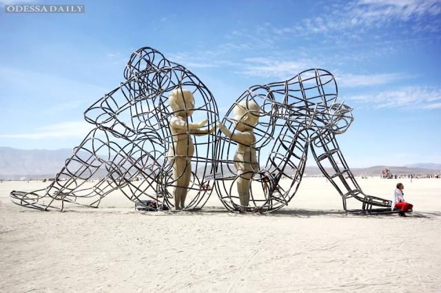 Прогремевший на весь мир украинский скульптор хочет создать 33-метровую статую в Одессе