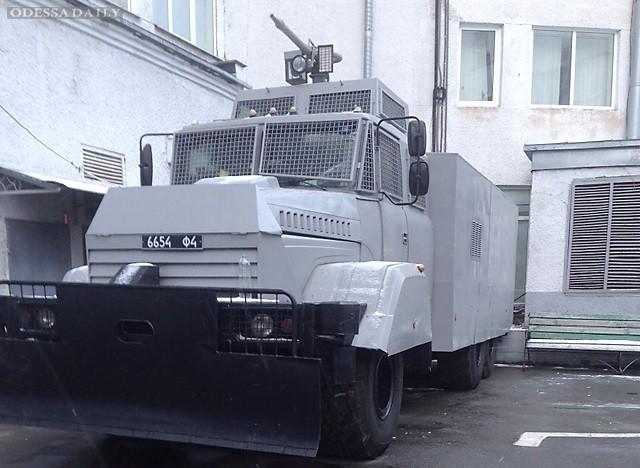 Нацгвардия готовится к разгону массовых акций в Киеве: заказала срочный ремонт водометов за 10 миллионов