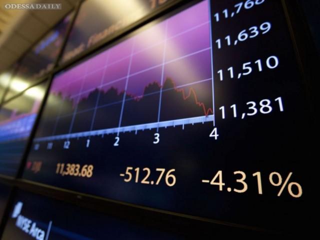 К среде нефть снова падает в цене, биржевые индексы едва растут