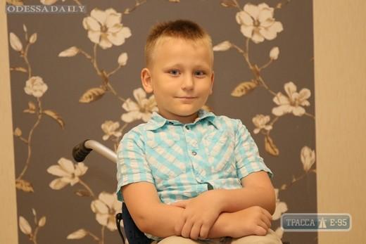 Семья мальчика, попавшего под трамвай в Одессе, получила квартиру от мэрии