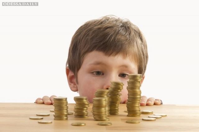 Порошенко одобрил увеличение минимального размера алиментов на ребенка