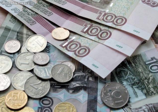 Россияне ощутили кризис: рубль уже важнее Украины, - опрос