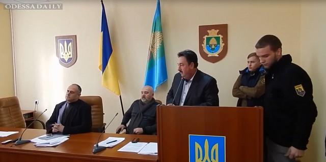 Жители Разделянского района требуют отставки главы райрады Ф. Сигала.