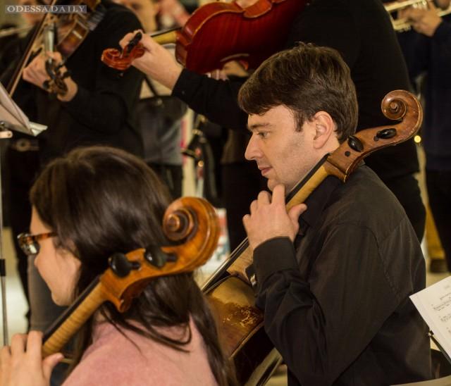 Музыкальный флешмоб накануне концерта Grand Orchestra, который состоится 31 января