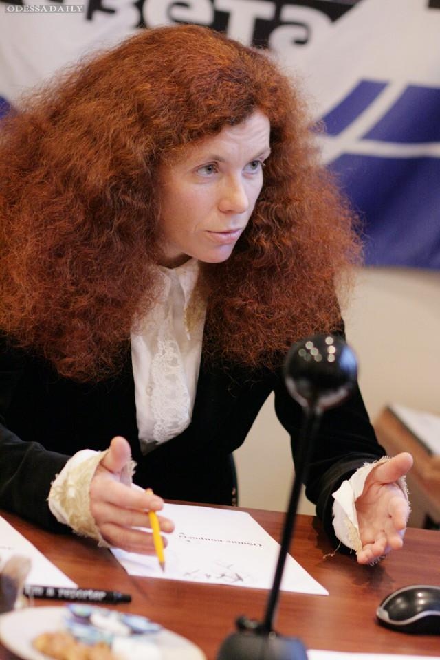 Юлия Латынина: «Код доступа»