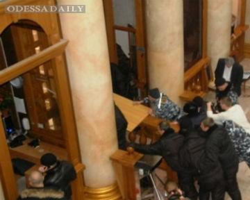 СМИ: Активисты штаба предпринимателей задержаны за штурм мэрии