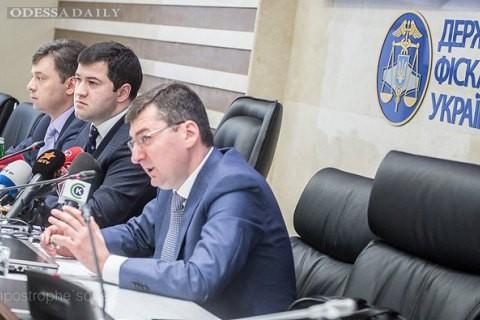 Глава ГФС отобрал у своего зама руководство таможней